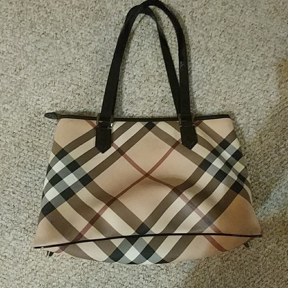 Burberry Handbags - AUTHENTIC BURBERRY BAG 94d687137f88f